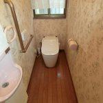 トイレは2箇所(1階2階)!! タンクレスで温水洗浄便座で冬場も暖かい!!