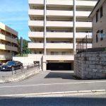 南側駐車場入口(外観)